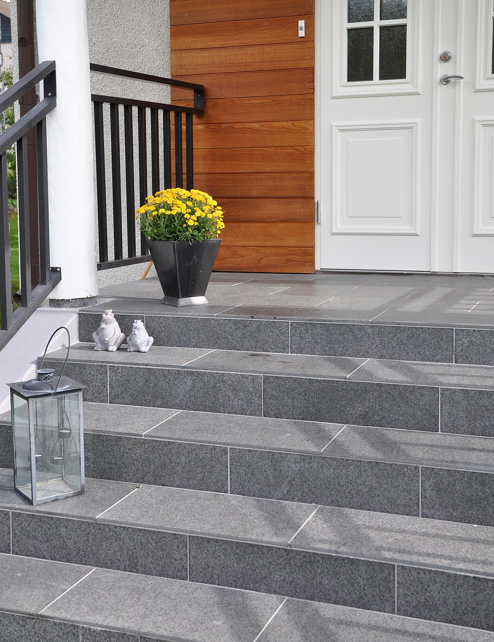 trappa granit 60x30 lykta