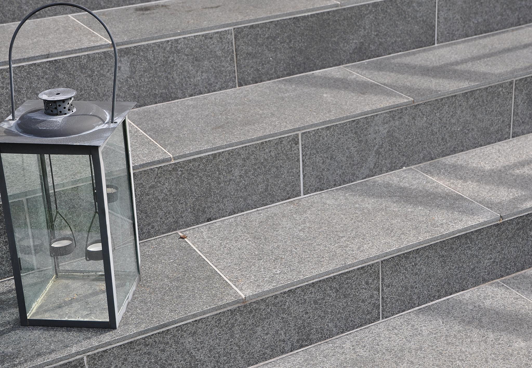 Klä in betongtrappan med natursten – flisbybloggen – bloggen med ...